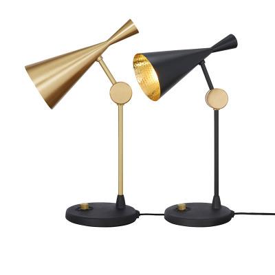 Beat bordslampa
